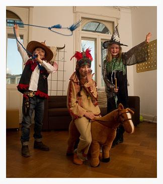 Cowboy, Indianerin und Hexe